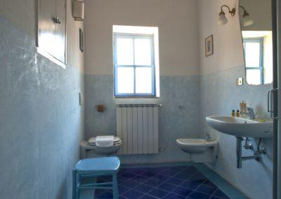 Villa Santo Stefano_bagno blu